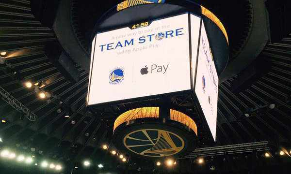 oracle Arena NBA Apple Pay