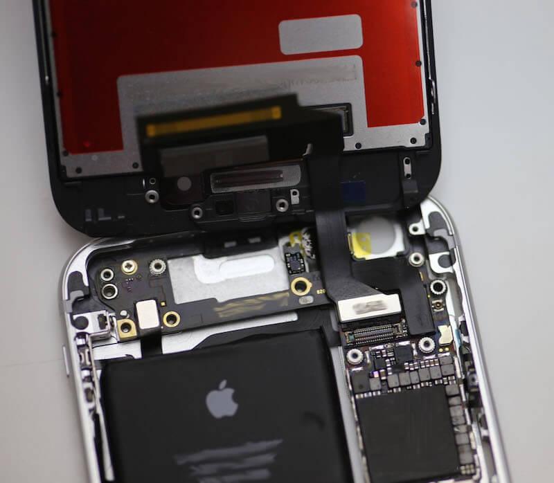 iPhone 6s abierto