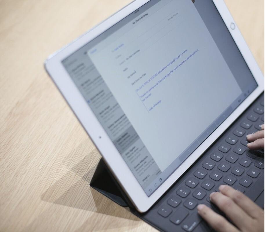 Los teclados Bluetooth pasan a ser de segunda categoría para el iPad Pro