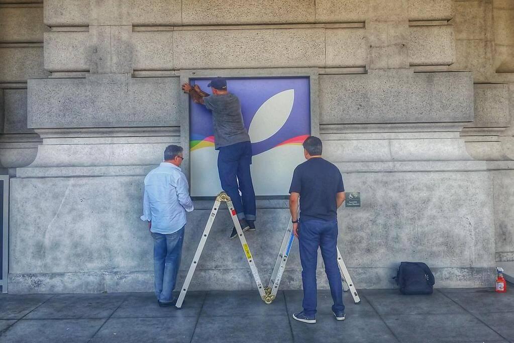 Ya comenzó la decoración del lugar del evento de Apple de la próxima semana