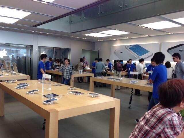 Ginza Apple Store - interior ginza 2
