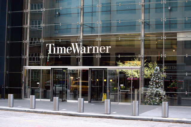 Apple tendría en sus planes la compra de Time Warner