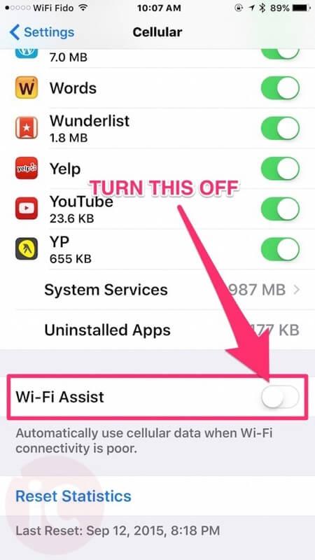 se le recomienda ir a donde se encuentra la función de Wi-Fi Assist y desactivarlo