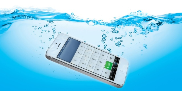 Cómo arreglar un iPhone dañado por el agua [Humor]