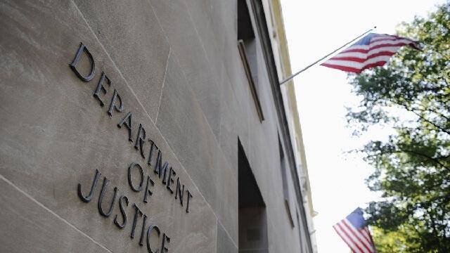 Departamento de Justicia exige que Apple desbloqueé 12 iPhones más