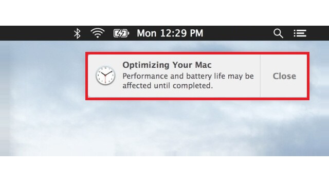 """Explicación de lo que ocurre durante la notificación  """"Optimizando tu Mac"""" en OS X - copia"""