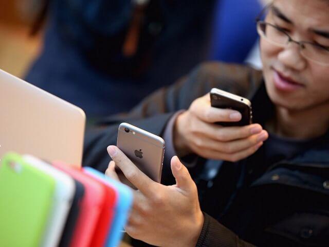 China-e-India-atraídos-por-el-iPhone-SE-1024x768