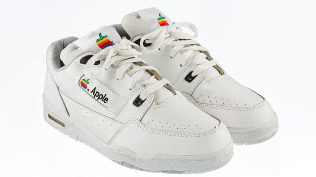 Apple-Sneakers
